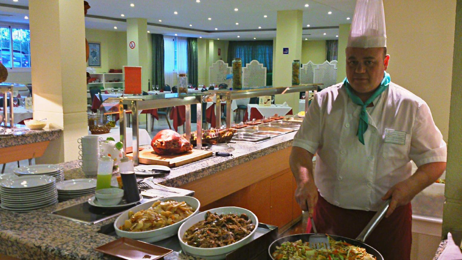 Hotel Nerja Club (Nerja). Show cooking