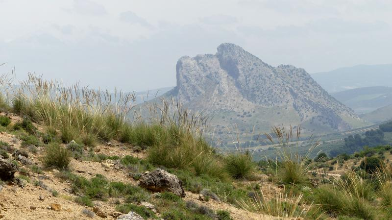 GR 249.4. Section Stage 1. The Peña de los Enamorados, visible from the Viñas area at the end of the Path