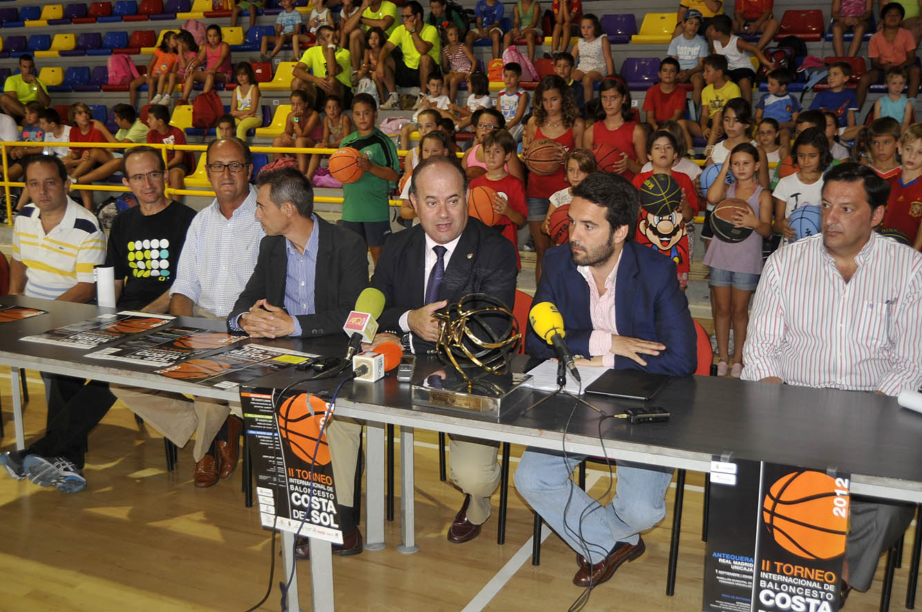Antequera acoger el partido unicaja real madrid con for Oficinas de unicaja en madrid