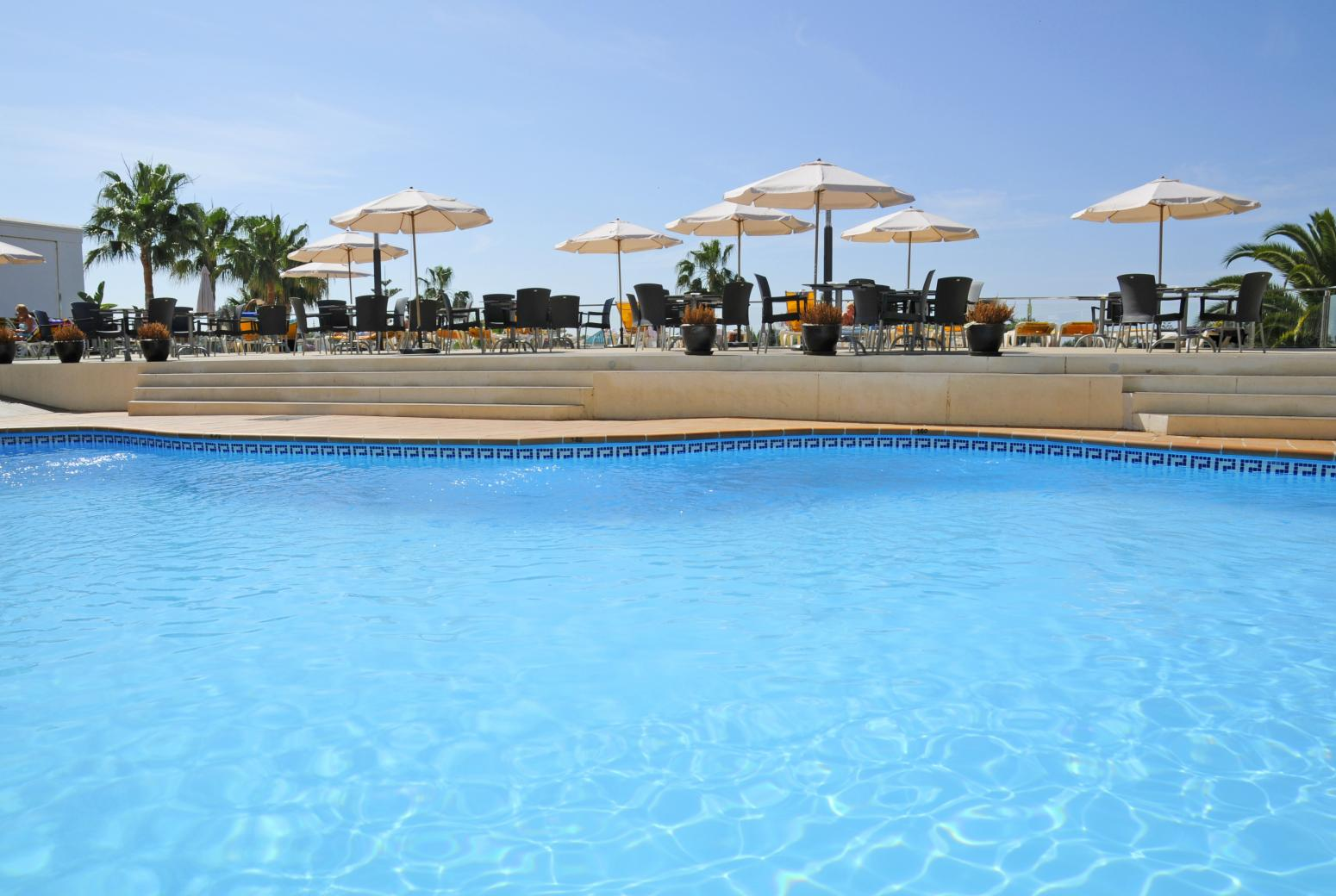 Hotel Nerja Club (Nerja). Pool 1