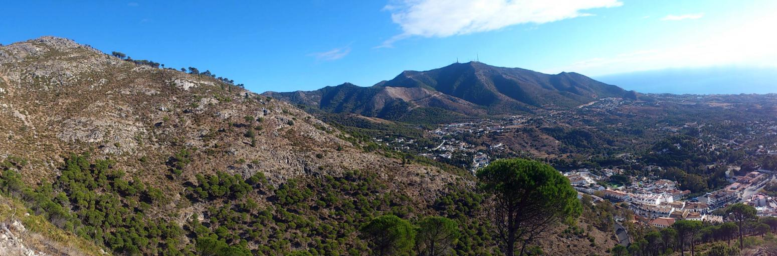 Imagen de GR 249. Stage 33. Mijas - Benalmádena. From the first part of the track you can appreciate the ridge walked in Stage 34