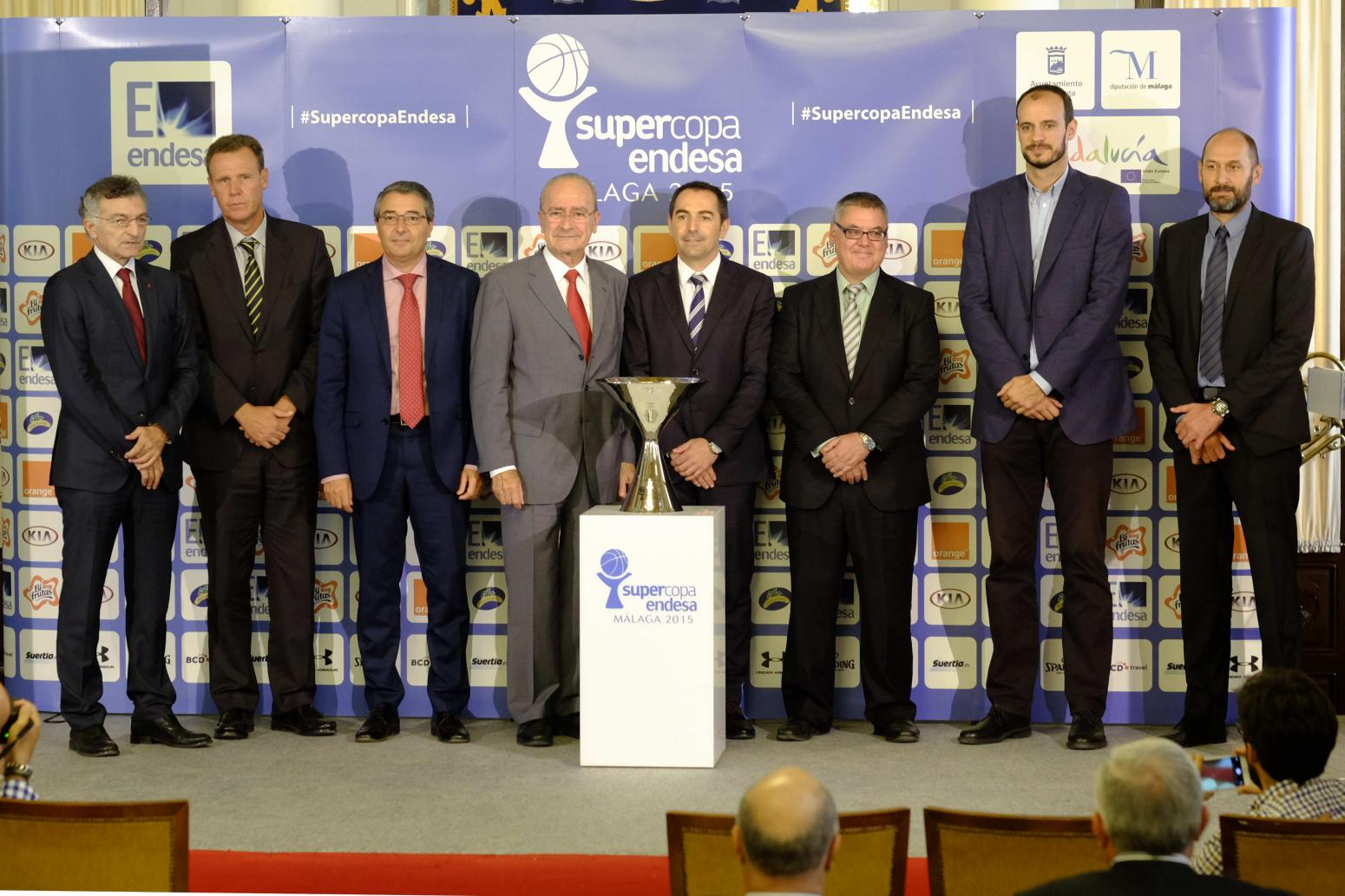 Unicaja real madrid y fc barcelona lassa herbalife gran for Oficinas de unicaja en madrid