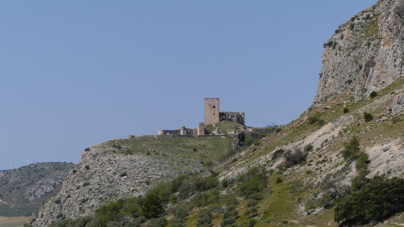 Imagen de GR 249.5. Section Stage 1. Campillos - Teba. The Castle of the Star south of the town of Teba, end of Stage